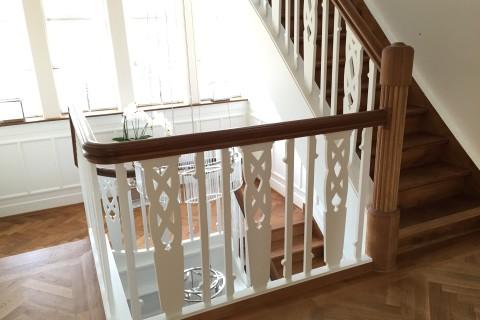 Geländer in historischer Villa detailgetreu rekonstruiert